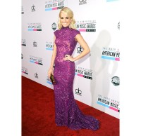 2634399-amas-2012-red-carpet-carrie-underwood-617-600