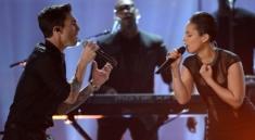 Grammys-2013-Alicia-Keys-Maroon-5-Perform-Video